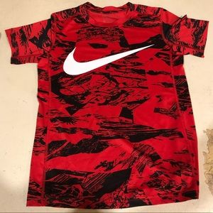 Nike dry fit top size Medium